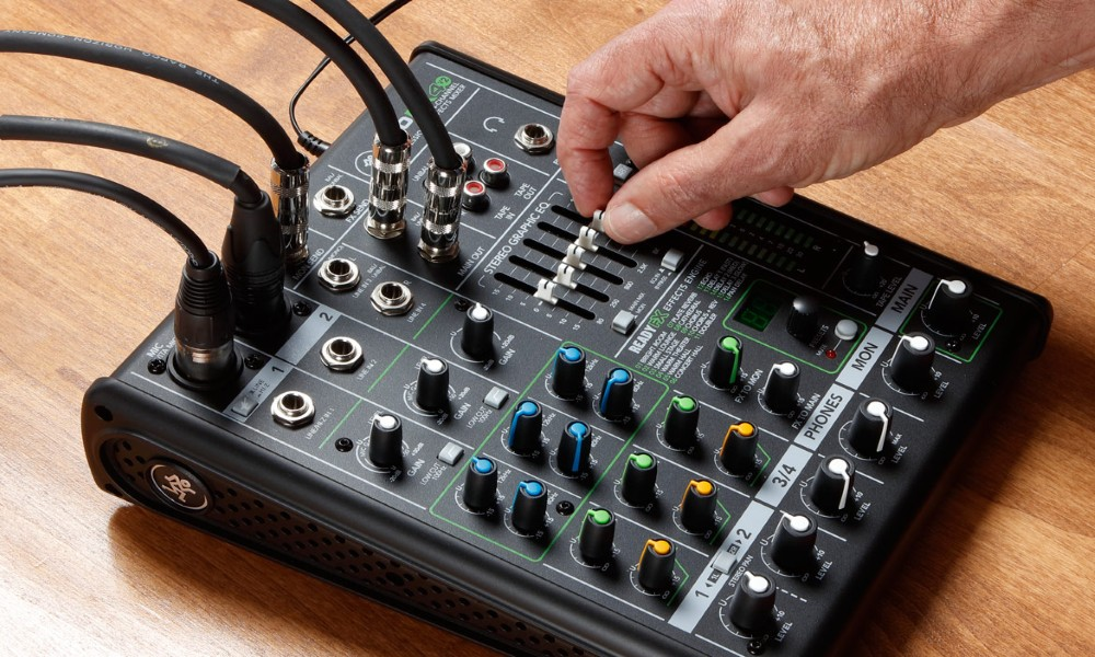 Using A Powered Mixer with Powered Speakers